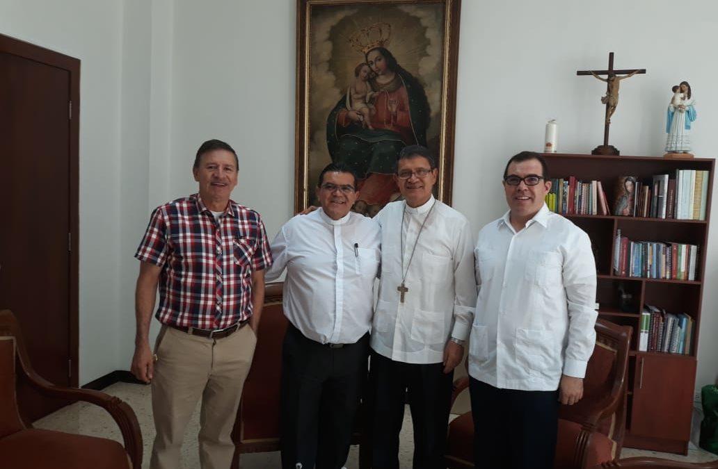 Visita al señor Arzobispo de Guayaquil                       Mons. Luis Gerardo Cabrera, OFM